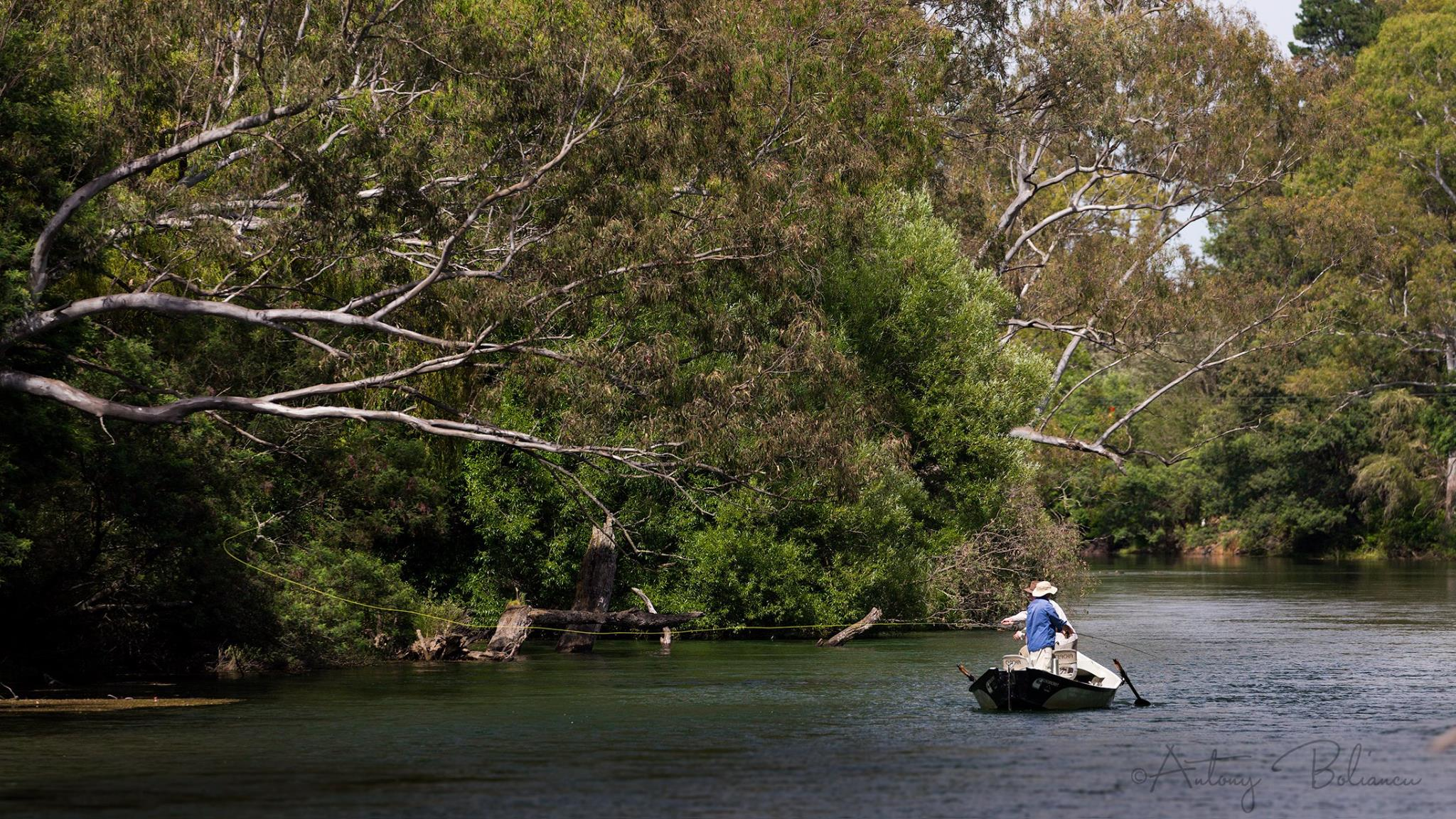 Drift boating the Goulburn River